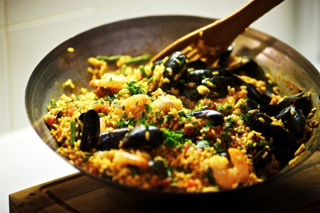 27.Blog_Seafood and Chorizo Paella for an easy impromptu dinner party