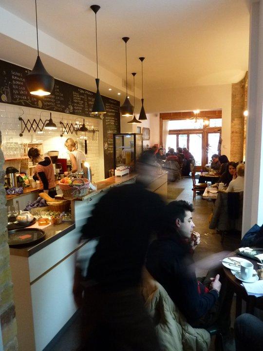 Berlin Hotspot Find: Café KRONE | meltingbutter.com