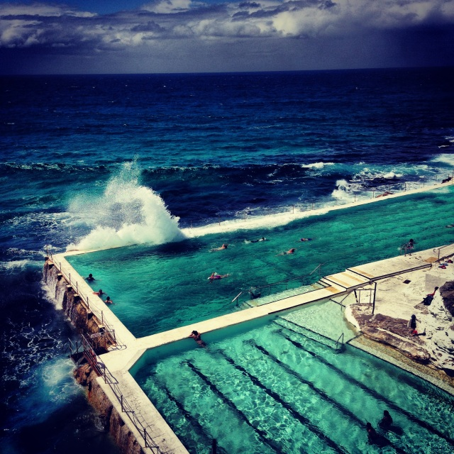 68.Blog_Sydney City guide- 11 restaurants that give Melbourne a run for her money_Bondi Beach Icebergs Pool