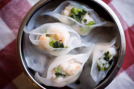 Shrimp and Snow Pea Leaf Dumpling | NYC Hotspot Find: Nom Wah Tea Parlor | meltingbutter.com