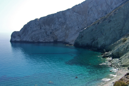 Folegandros Hotspot Find: Vorina Bay | meltingbutter.com