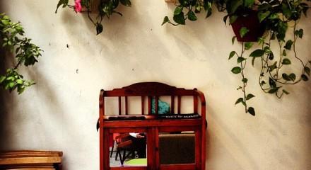 Athens Hotspot Find: Key Bar Interiors | meltingbutter.com