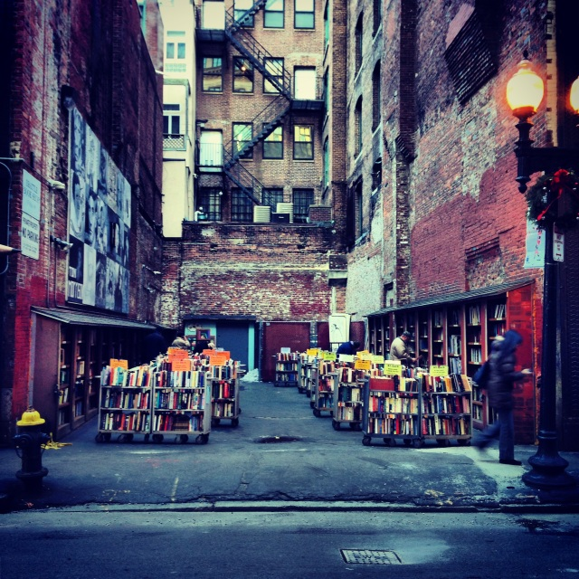 Boston Hotspot Find: Brattle Book Shop | meltingbutter.com