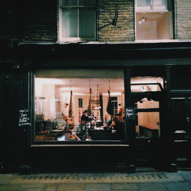 London Hotspot Find: Fernandez & Wells | meltingbutter.com